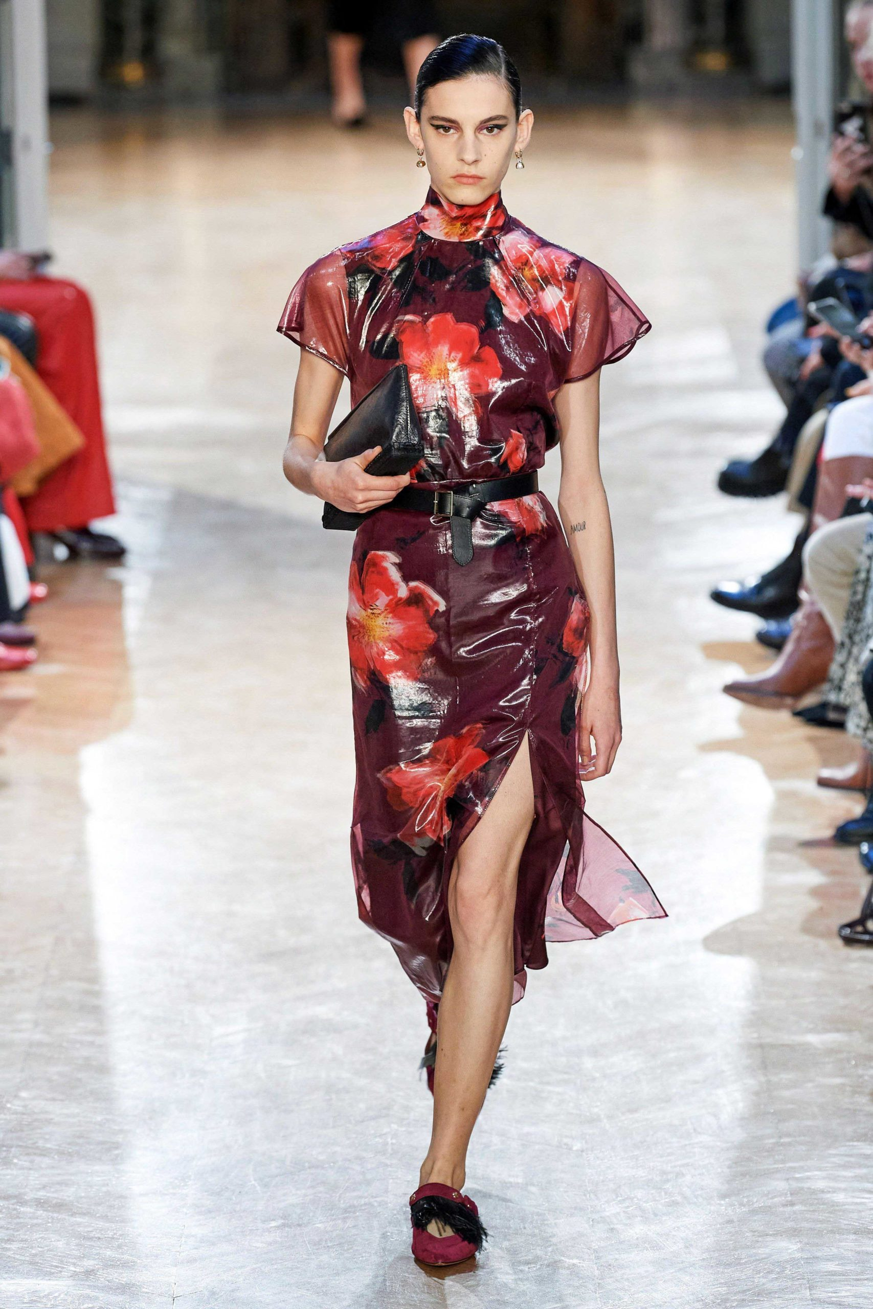Altuzarra Fall 2020 trends runway coverage Ready To Wear Vogue big flowers luster glossy