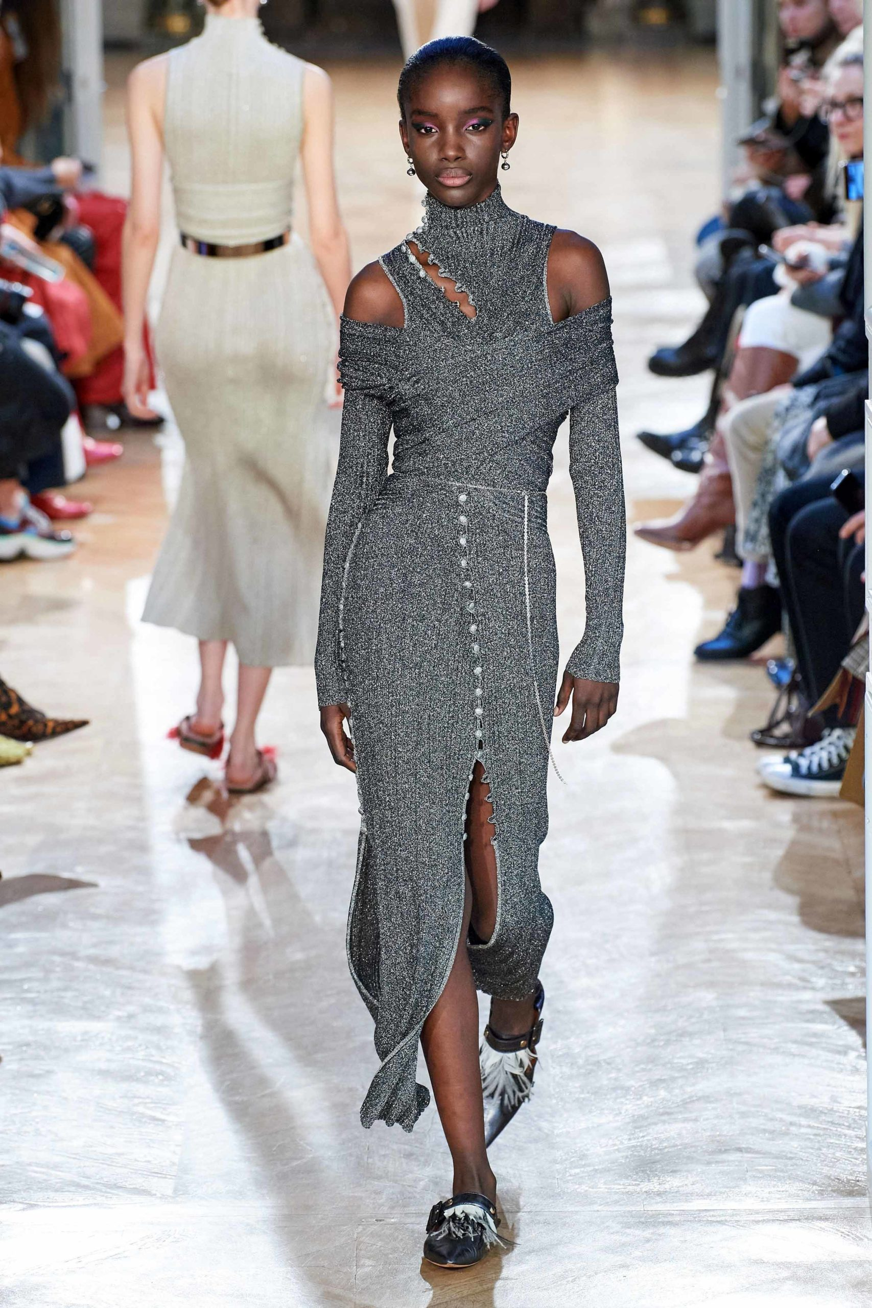 Altuzarra-Fall-2020-trends-runway-coverage-Ready-To-Wear-Vogue-grey-dress-and-neckline-sexy-shoulder
