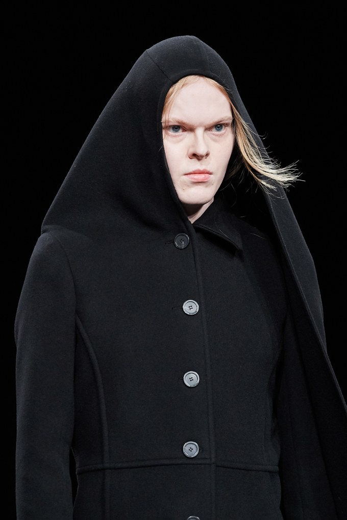 Balenciaga Fall Winter 2020 trends runway coverage Ready To Wear Vogue details snood hood
