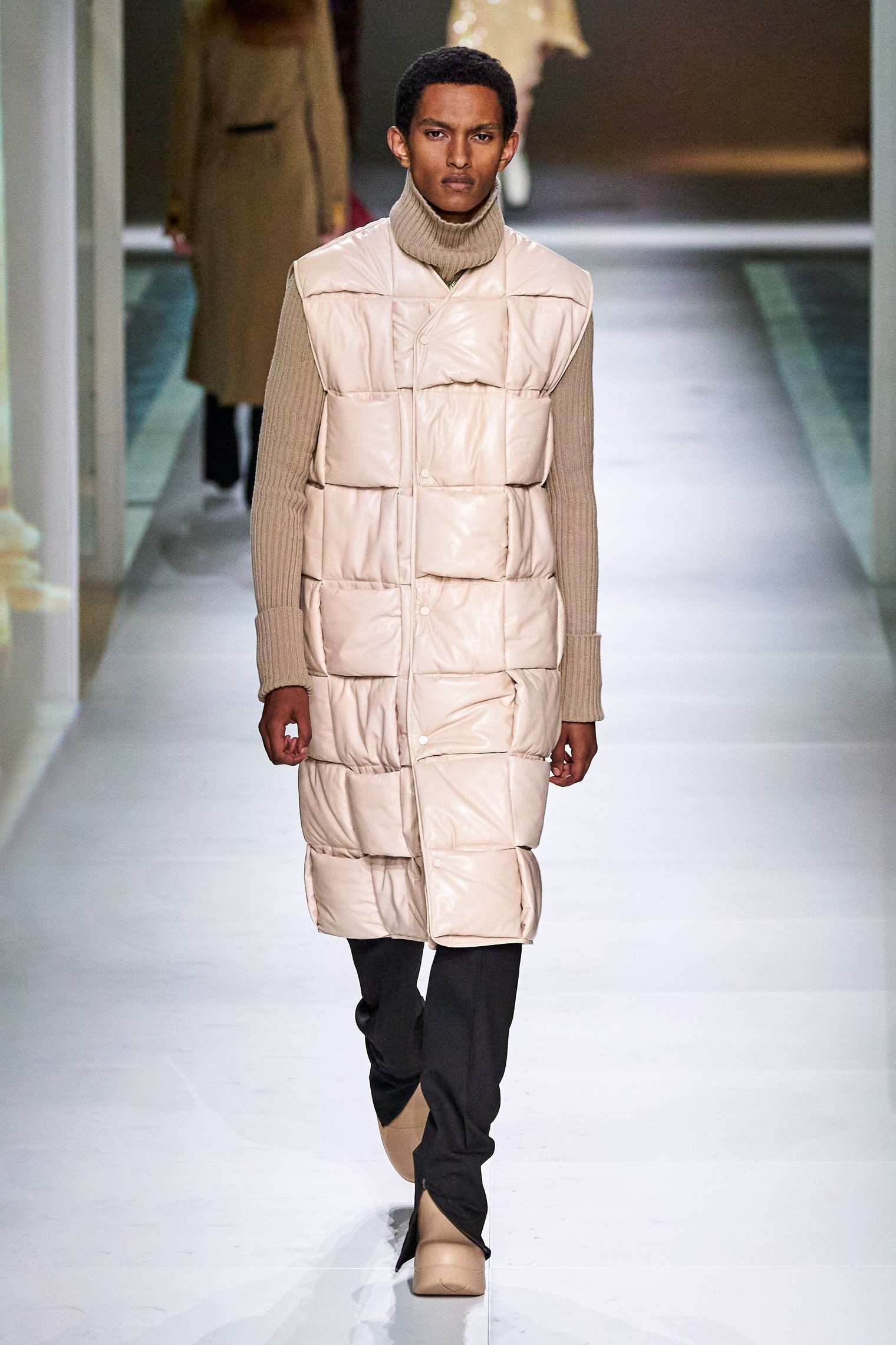 Bottega Veneta Fall 2020 trends runway report Ready To Wear Vogue wafle square quilted