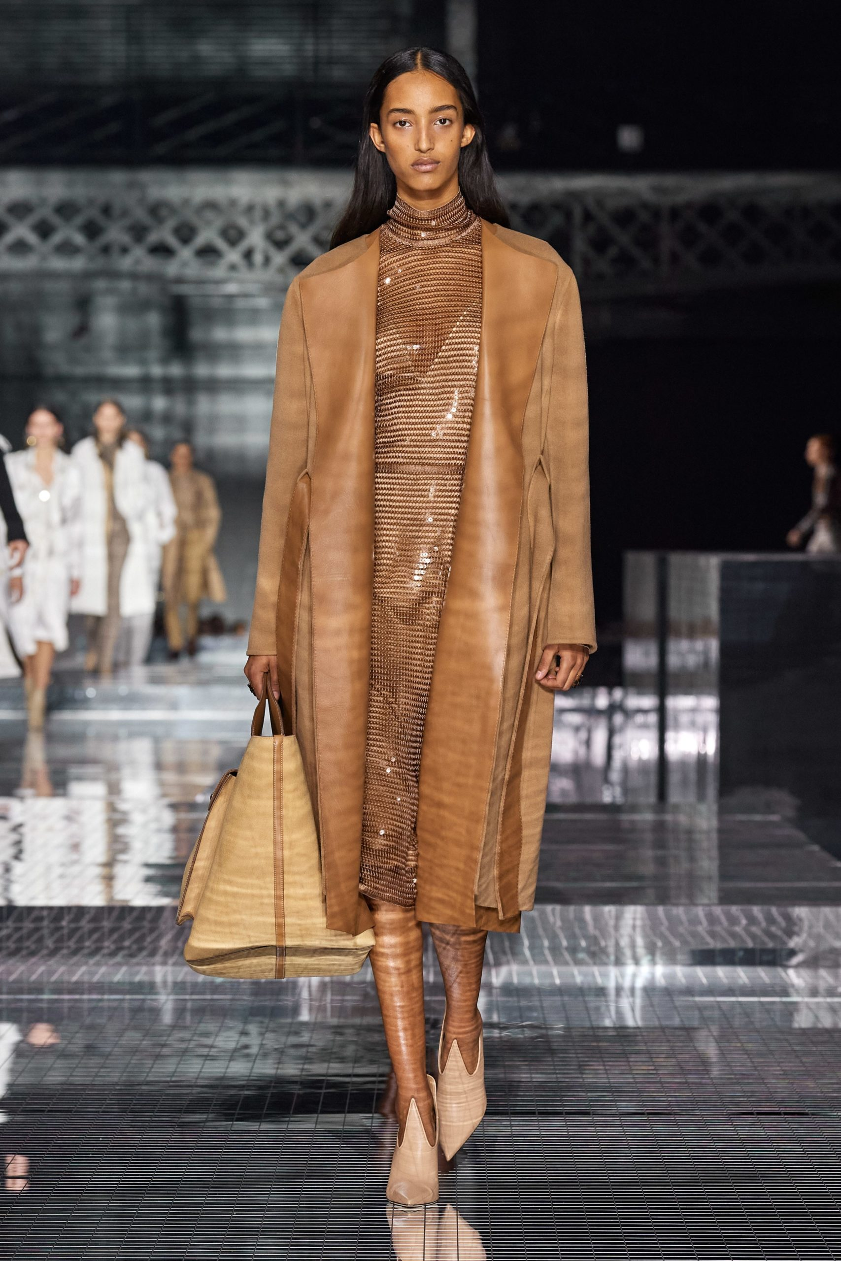 Burberry Fall 2020 trends runway report Ready To Wear Vogue caramel monochrome