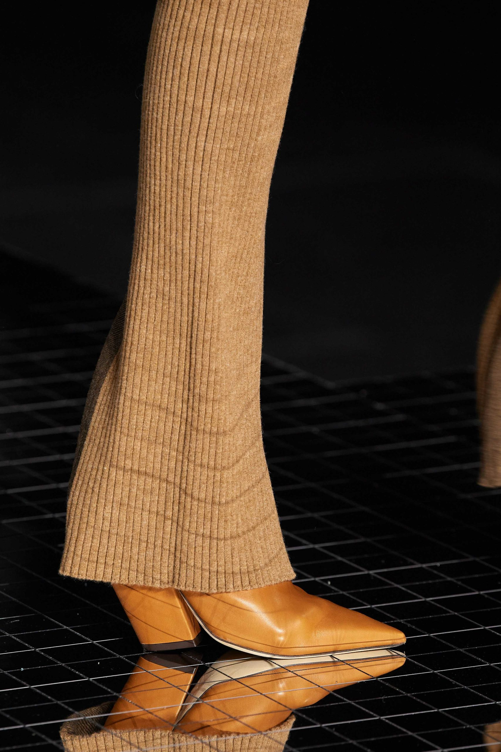Burberry Fall 2020 trends runway report Ready To Wear Vogue details pointed toe boots boots