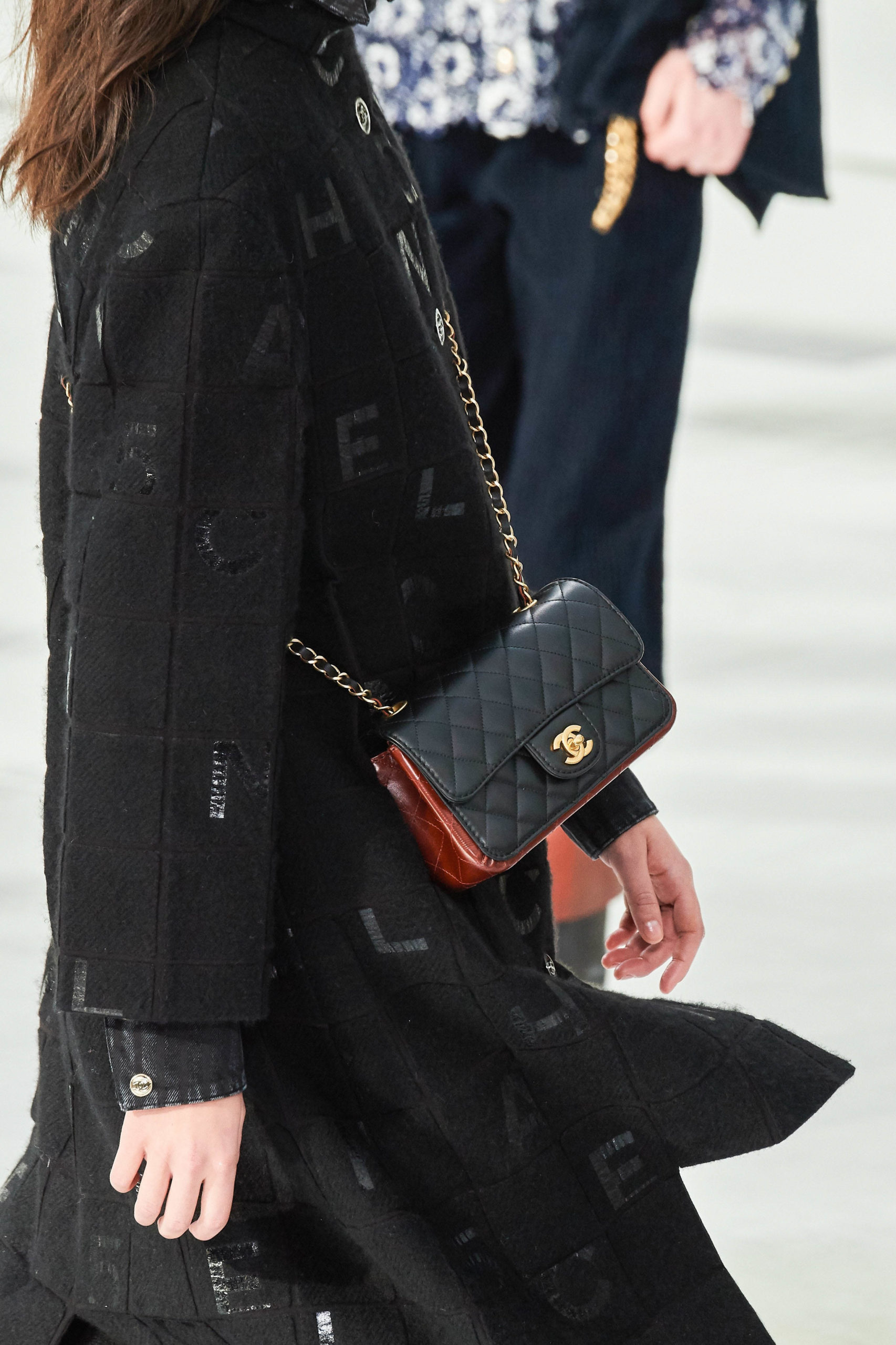 Chanel Fall Winter 2020 trends runway coverbagage Ready To Wear Vogue vintage feel bag