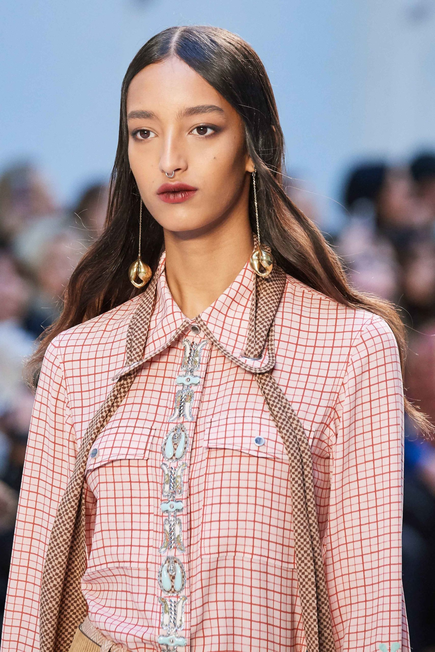 Chloe Fall Winter 2020 trends runway coverage Ready To Wear Vogue details 2