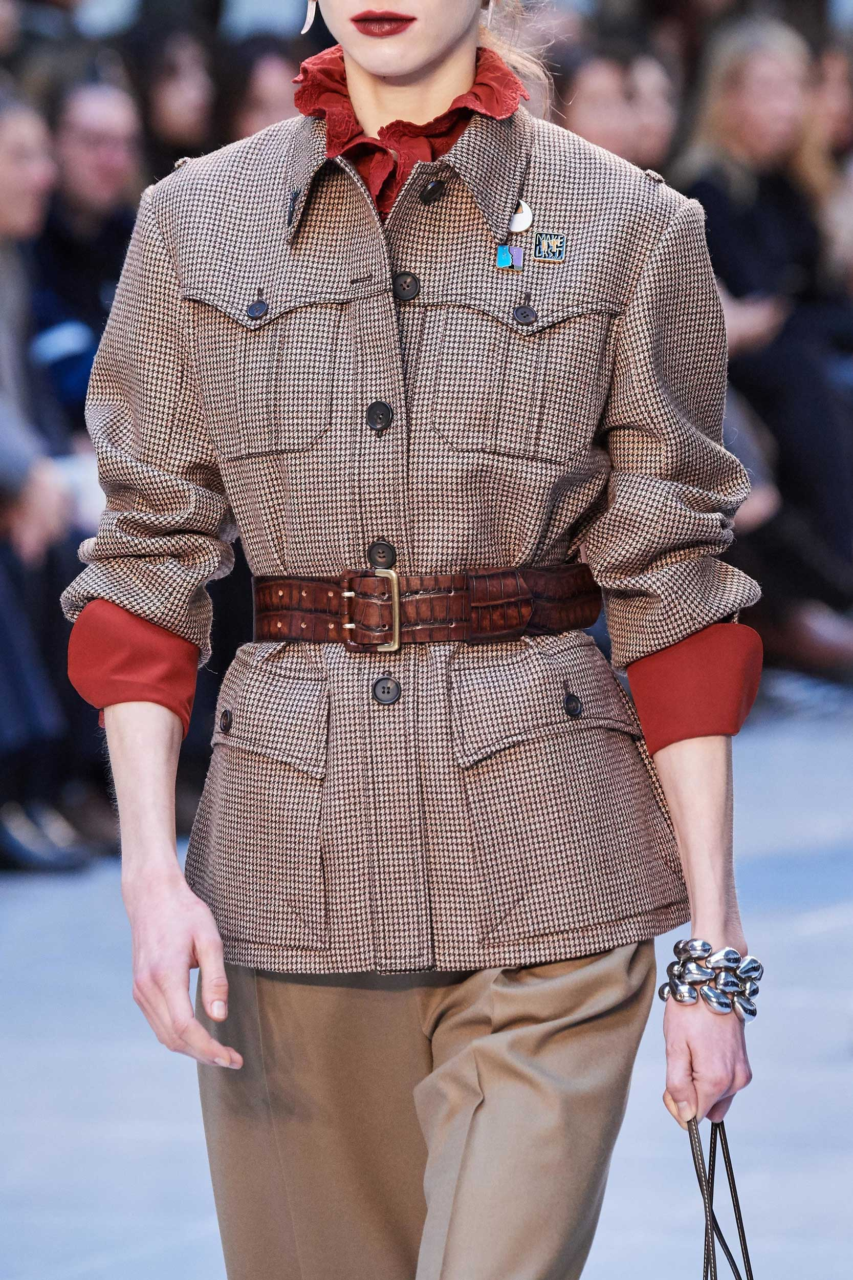 Chloe-Fall-Winter-2020-trends-runway-coverage-Ready-To-Wear-Vogue-details-lipsticks best of beauty wine lips fall 2020 trends