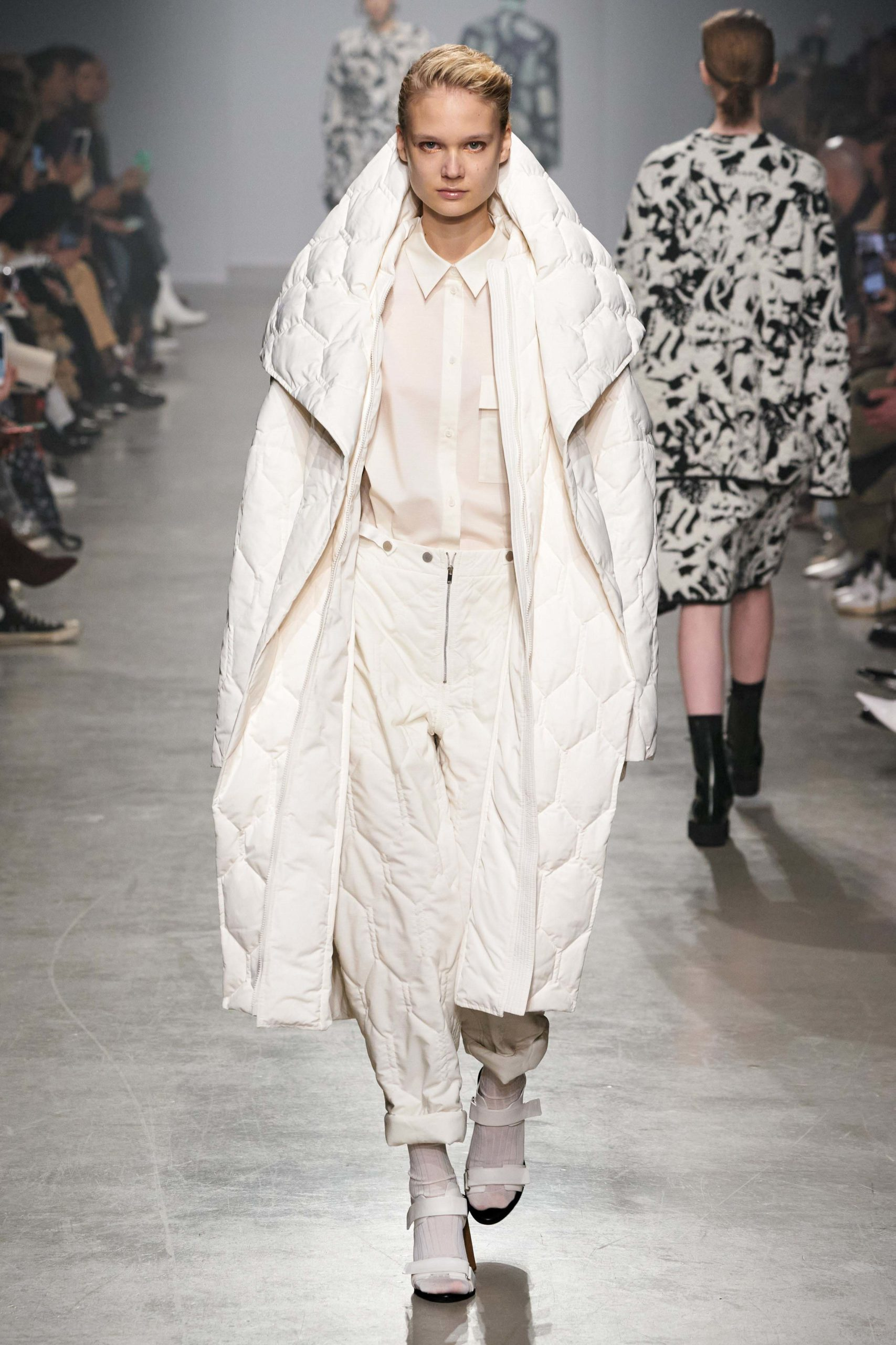 Christian Wijnants Fall Winter 2020 trends runway coverage Ready To Wear Vogue waffle quilted