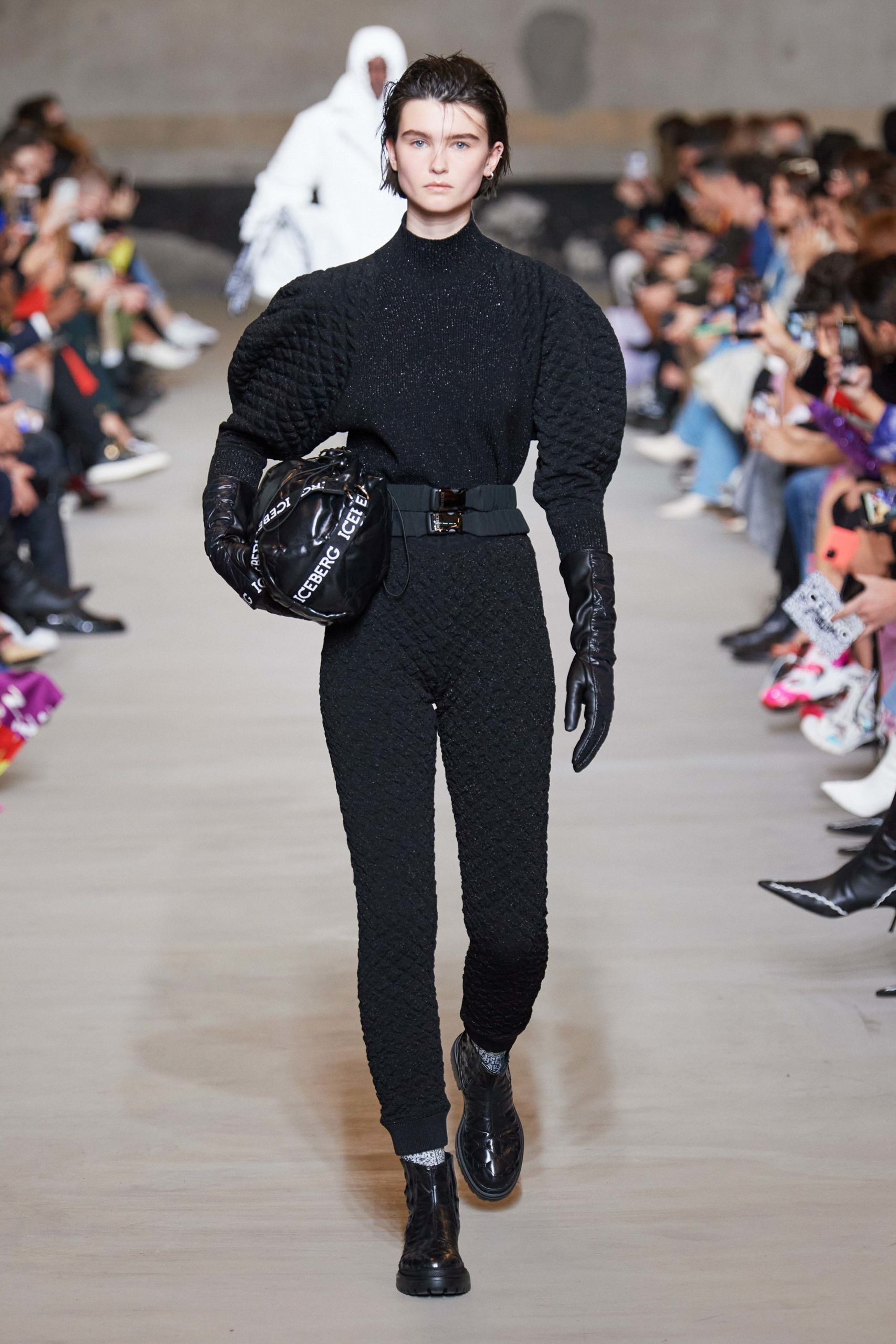 Iceberg Fall 2020 trends runway coverage Ready To Wear Vogue waffle and manche bold sleeves