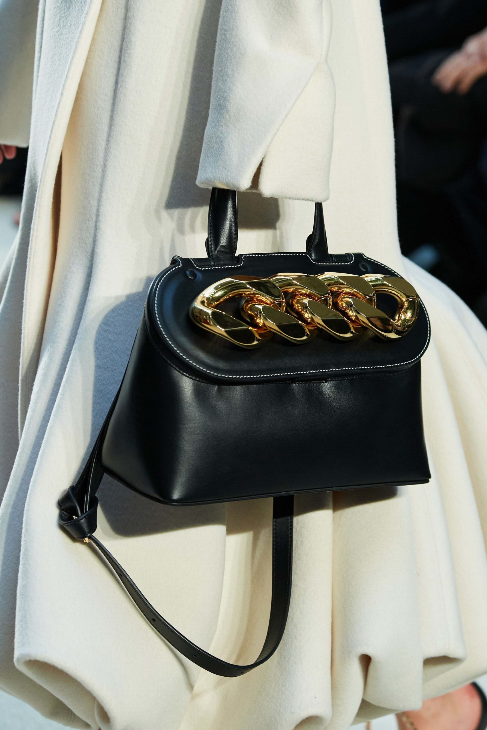 JW Anderson Fall 2020 trends runway coverage Ready To Wear Vogue details bag