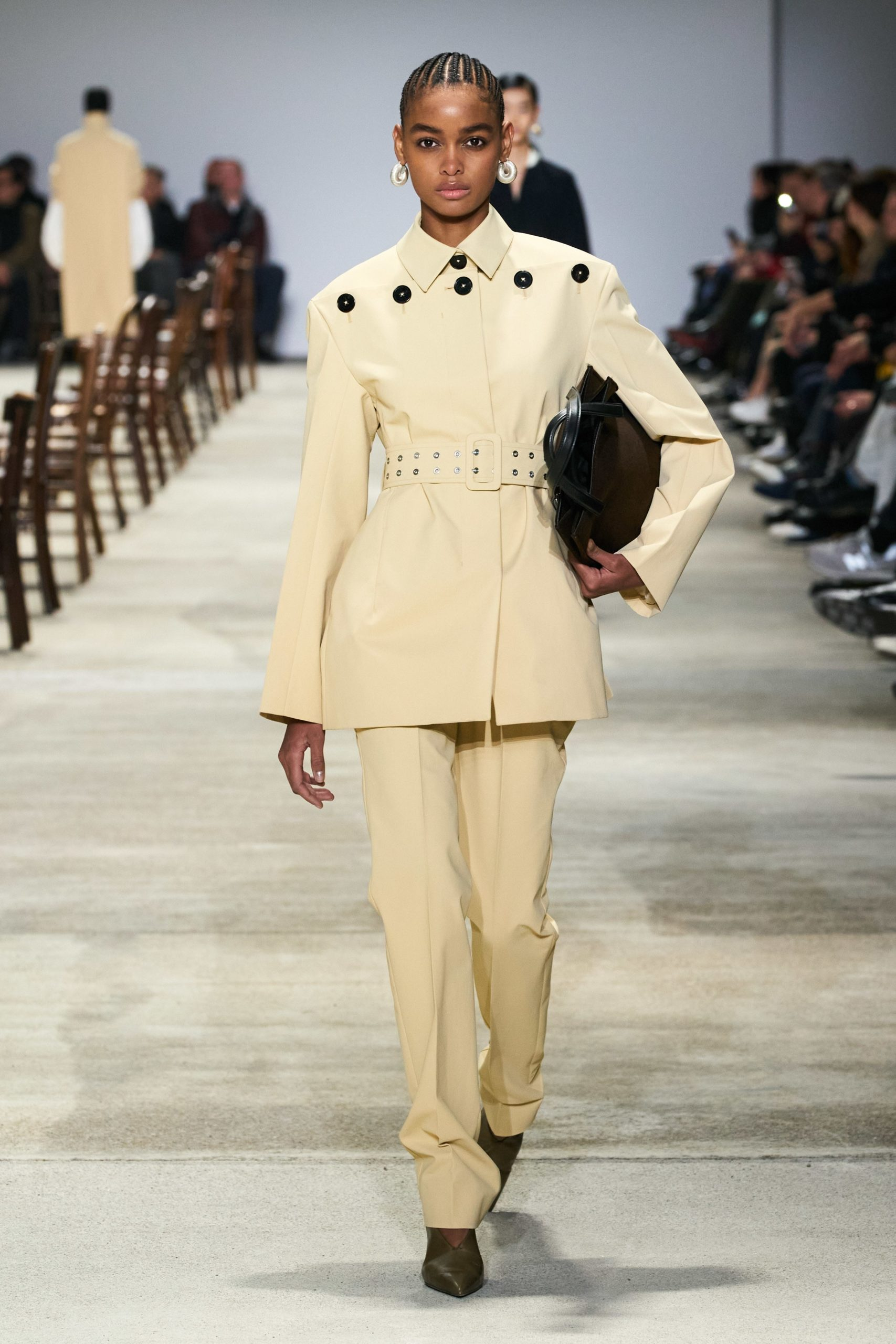 Jil Sander Fall 2020 trends runway coverage Ready To Wear Vogue buttons soft yellow monochrome