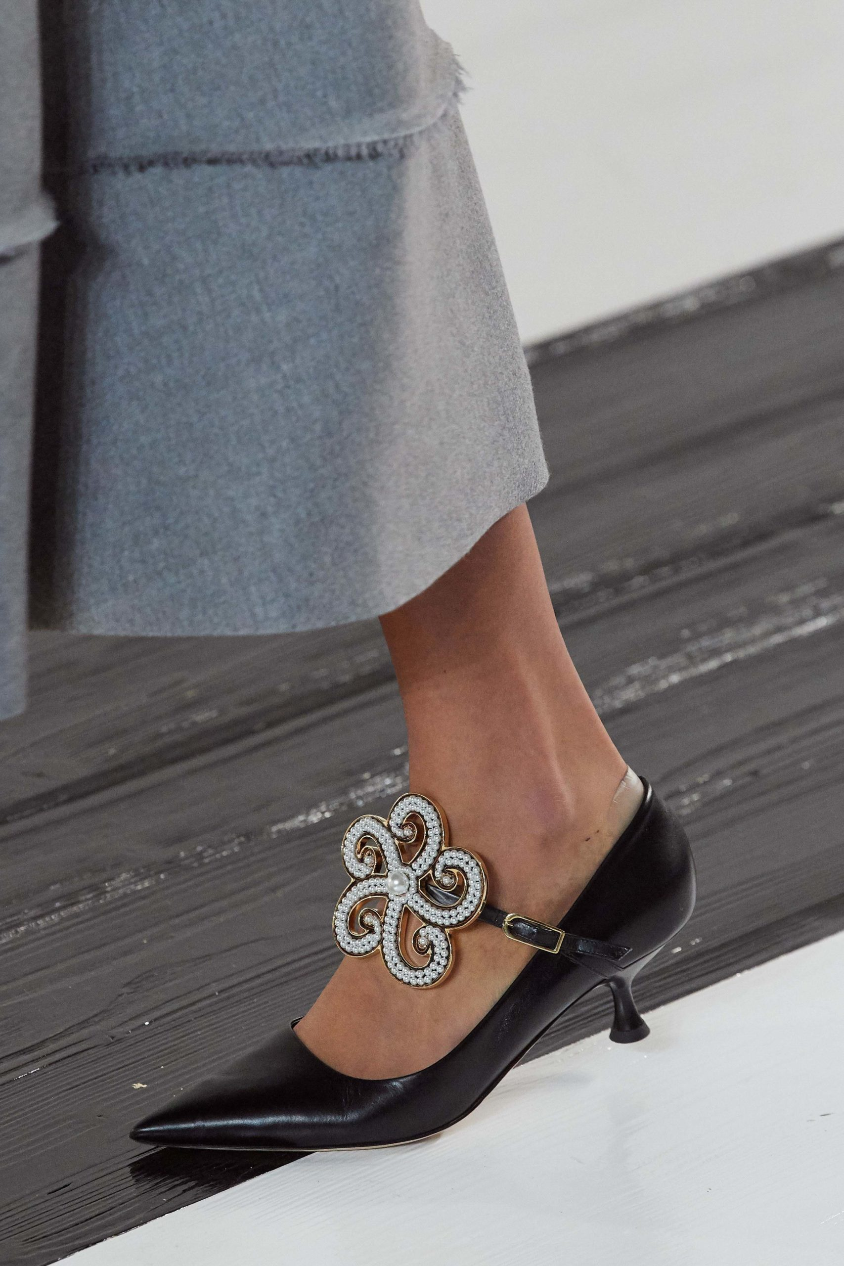 Loewe Fall 2020 trends runway coverage Ready To Wear Vogue shoes best of 2020 shoes