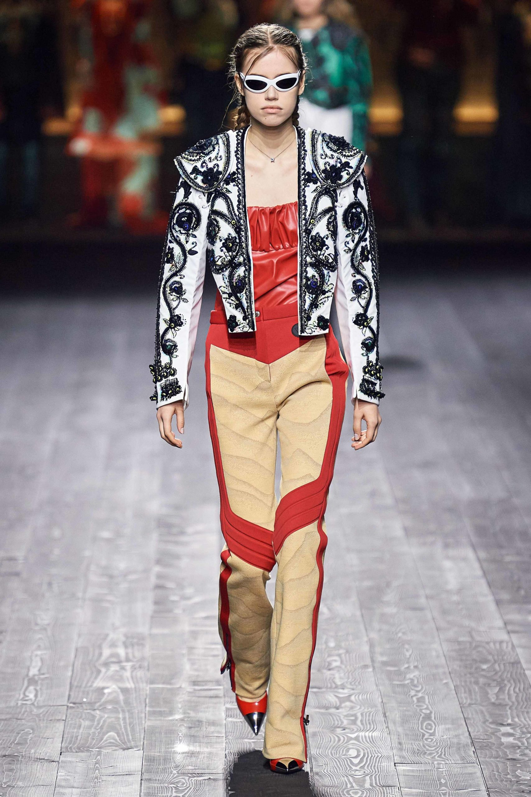 Louis Vuitton Fall 2020 trends runway coverage Ready To Wear Vogue 70s empiecement cuir leather patchwork