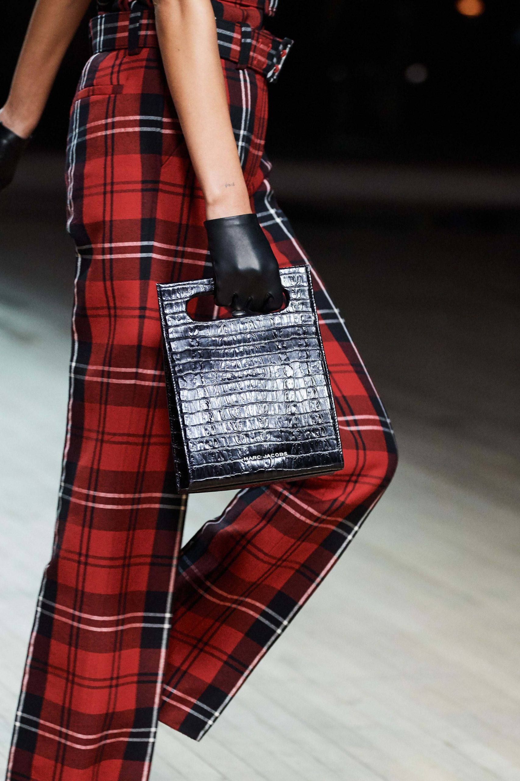 Marc Jacobs Fall 2020 trends runway coverage Ready To Wear Vogue croc bag vintage feel.