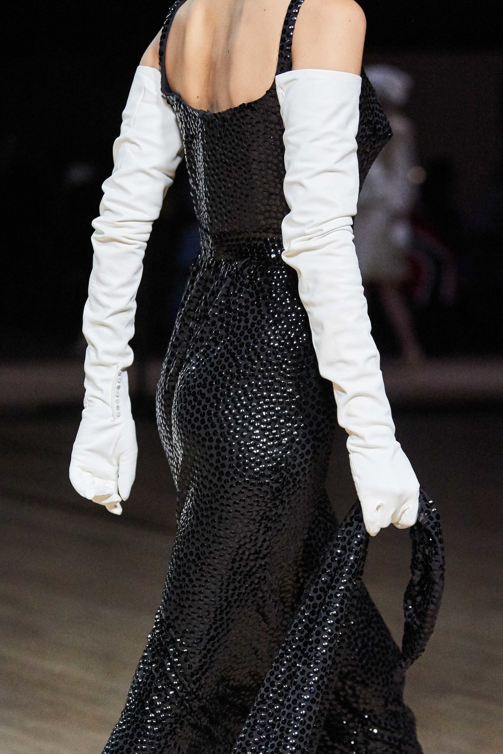Marc Jacobs Fall 2020 trends runway coverage Ready To Wear Vogue glove