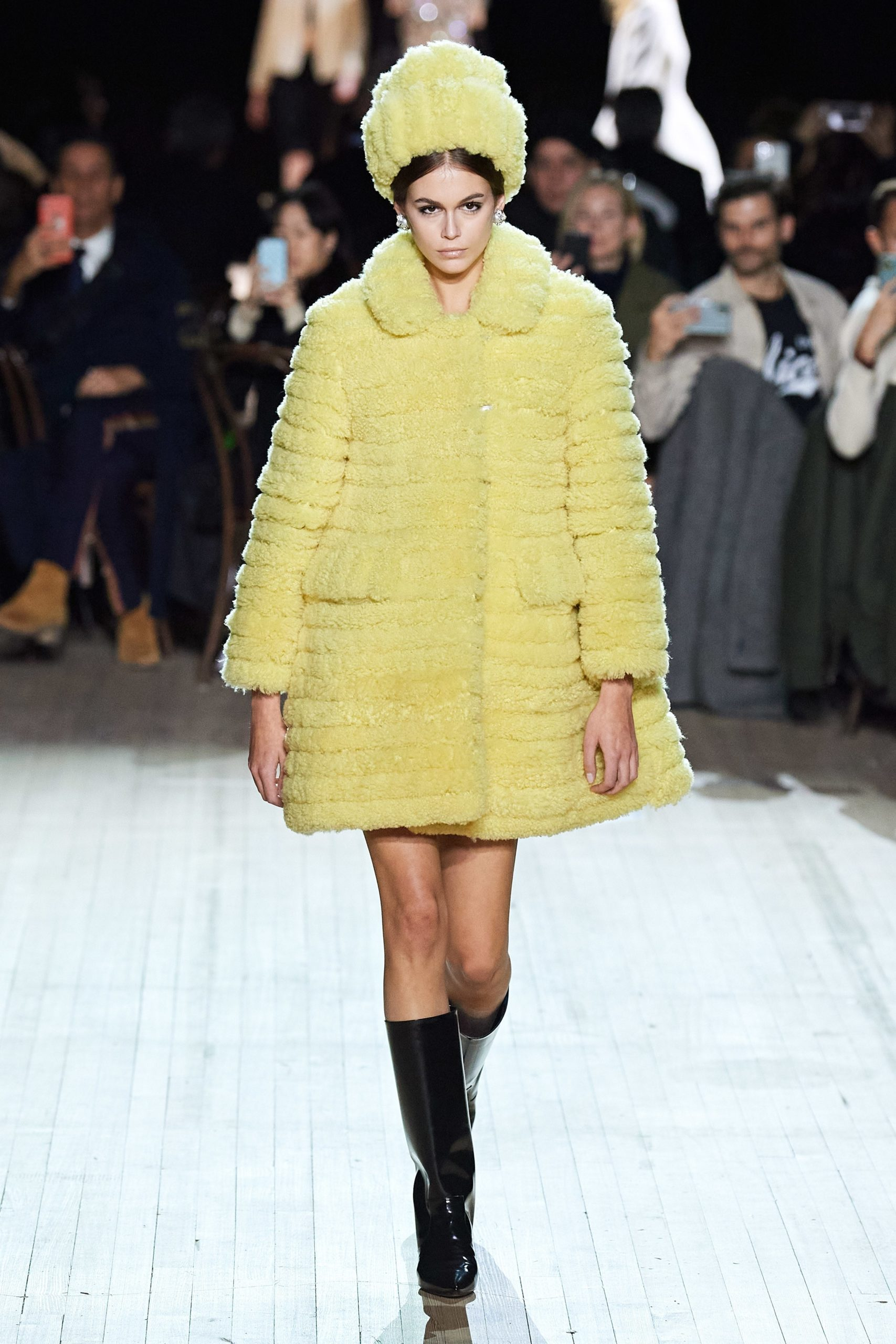 Marc Jacobs Fall 2020 trends runway coverage Ready To Wear Vogue soft yellow monochrome