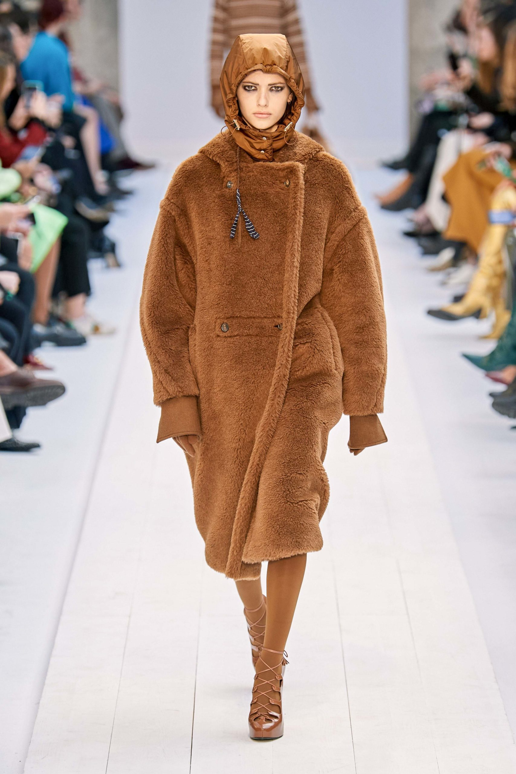 Max Mara Fall 2020 trends runway coverage Ready To Wear Vogue caramel shaggy