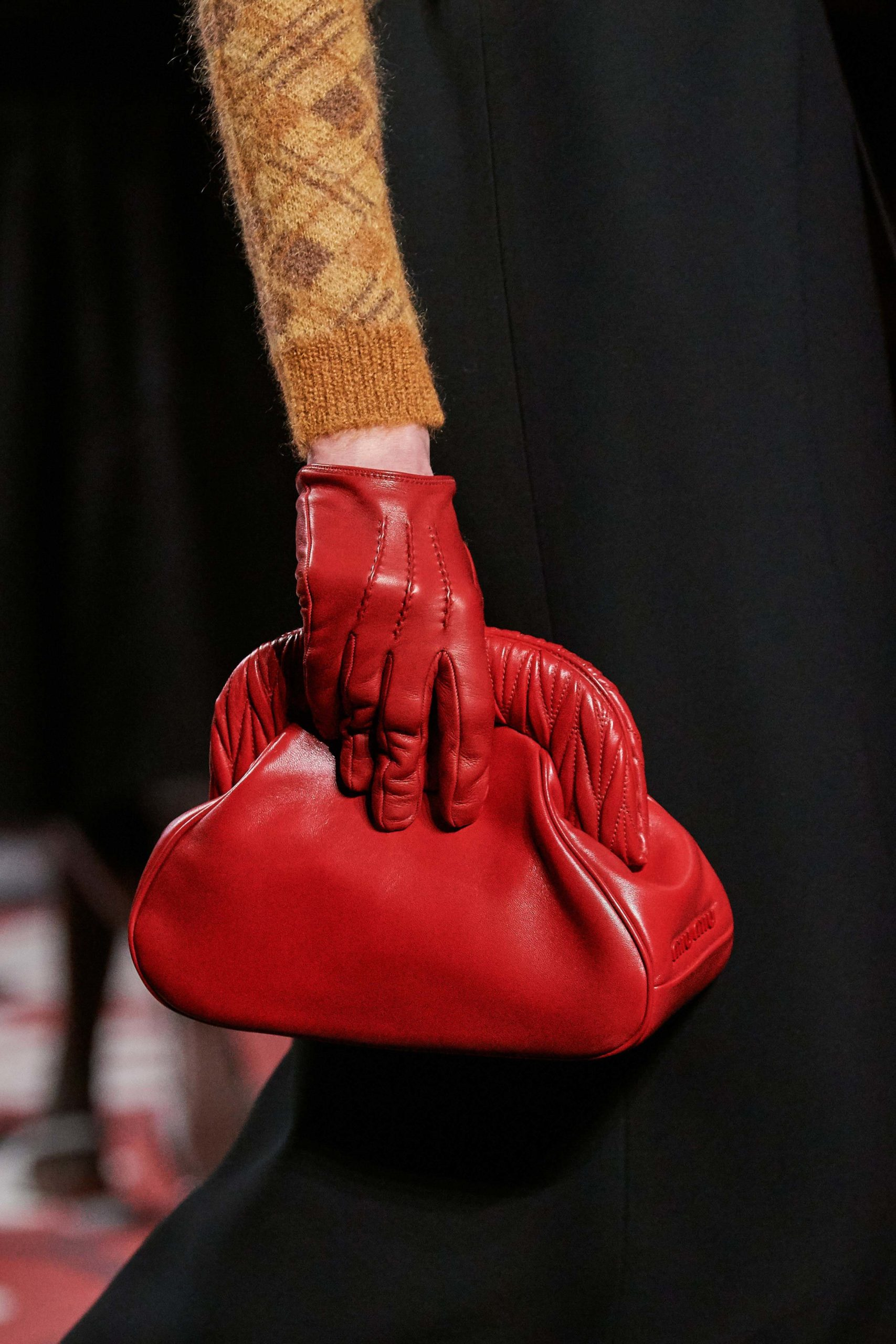 Miumiu Fall 2020 trends runway coverage Ready To Wear Vogue gloves and bag vintage feel best fall 2020 details
