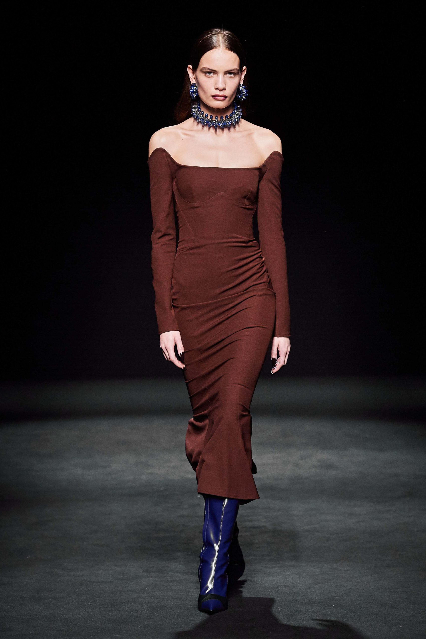 Mugler Fall 2020 trends runway coverage Ready To Wear Vogue sexy shoulder