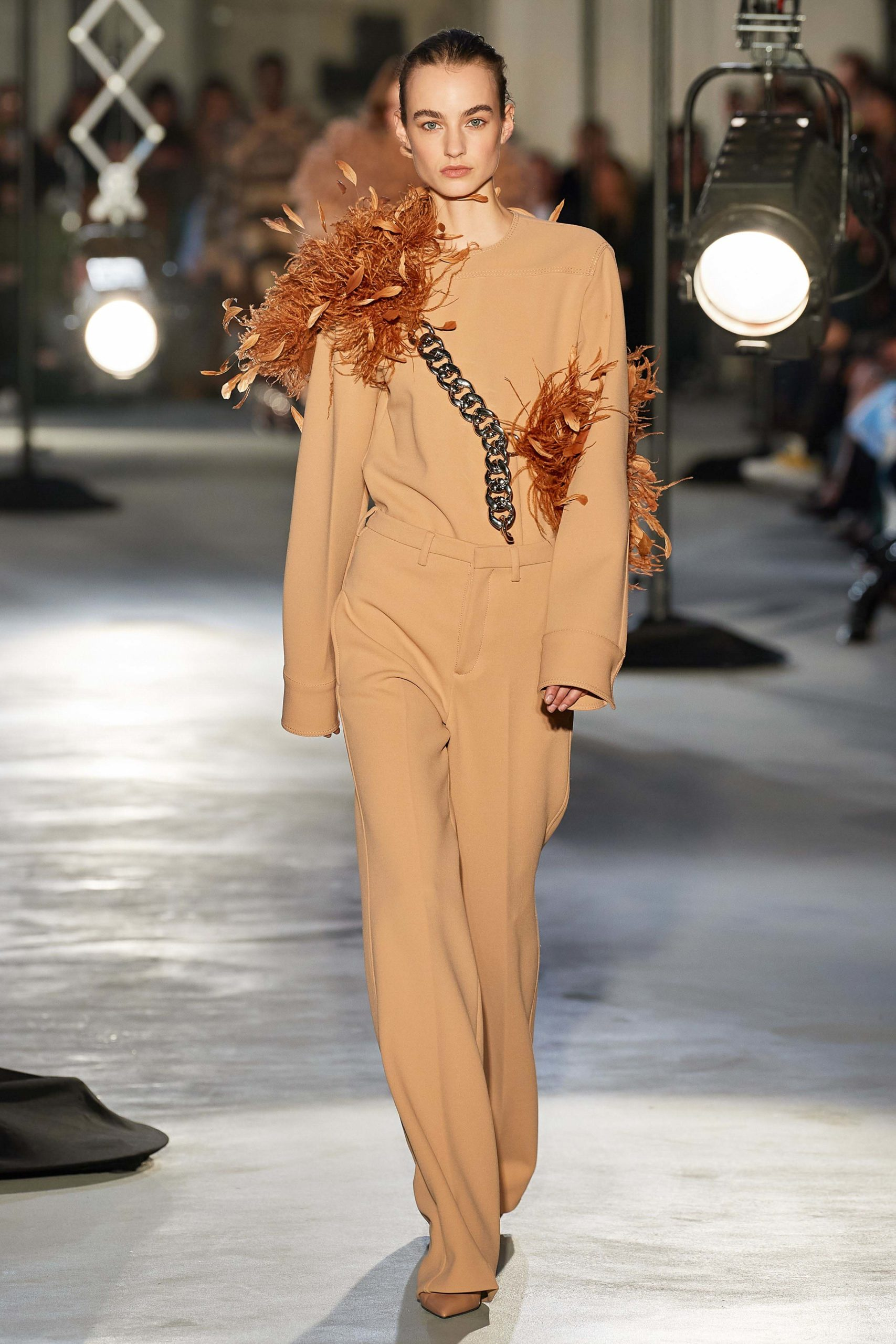 Numero 21 Fall 2020 trends runway coverage Ready To Wear Vogue feather 2