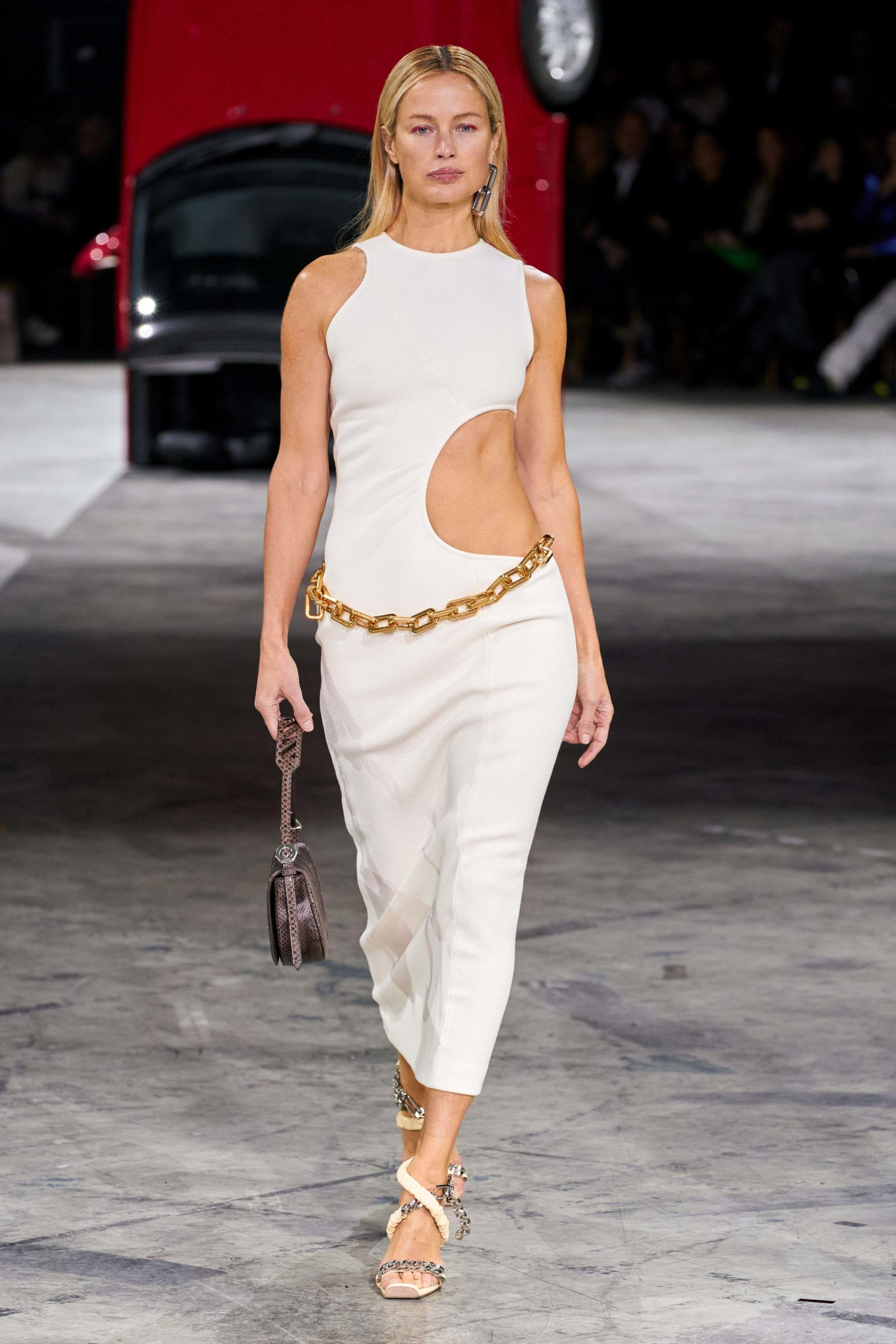 Off White Fall 2020 trends runway coverage Ready To Wear Vogue cut out chain