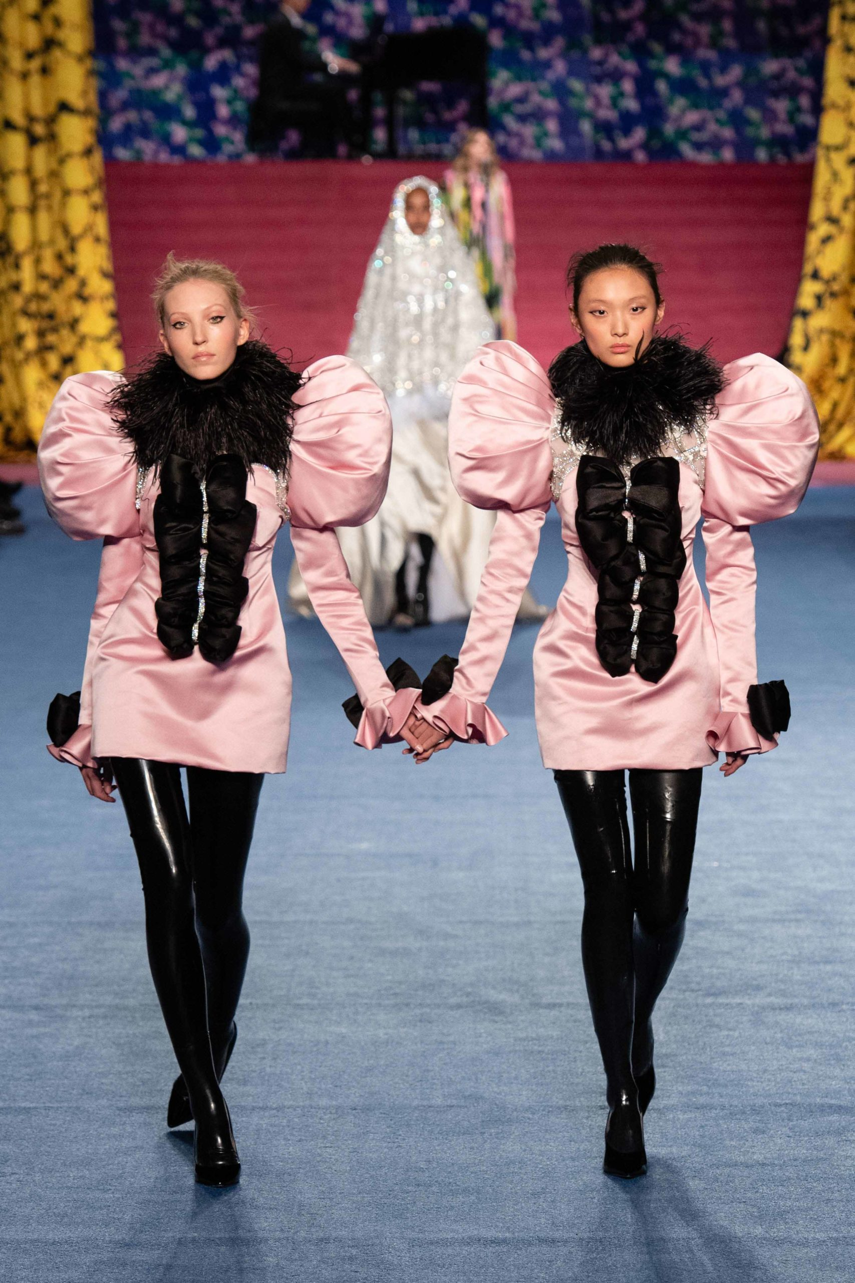 Richard Quinn Fall 2020 trends runway coverage Ready To Wear Vogue manche feather luster glossy
