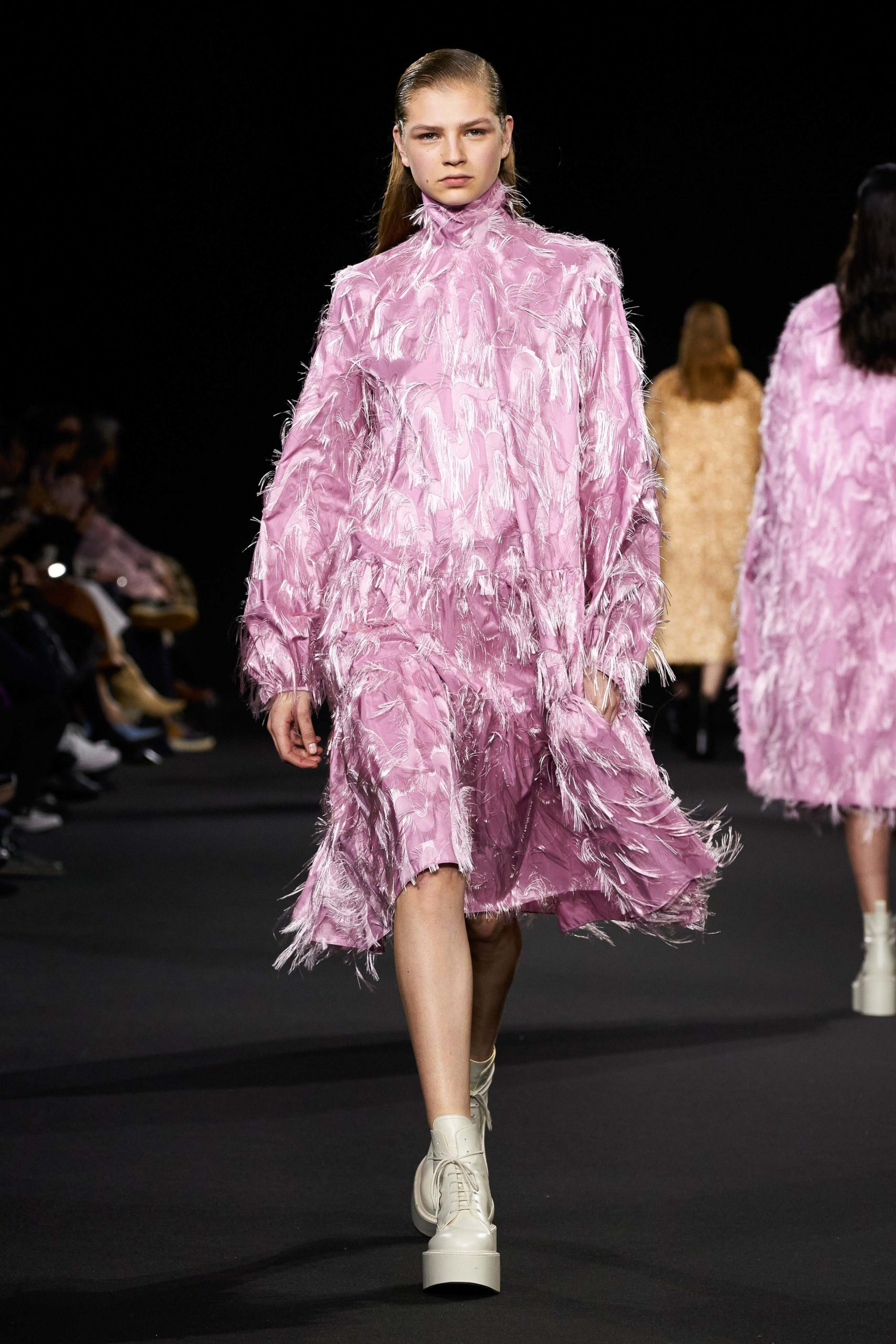 Rochas Fall 2020 trends runway coverage Ready To Wear Vogue feather