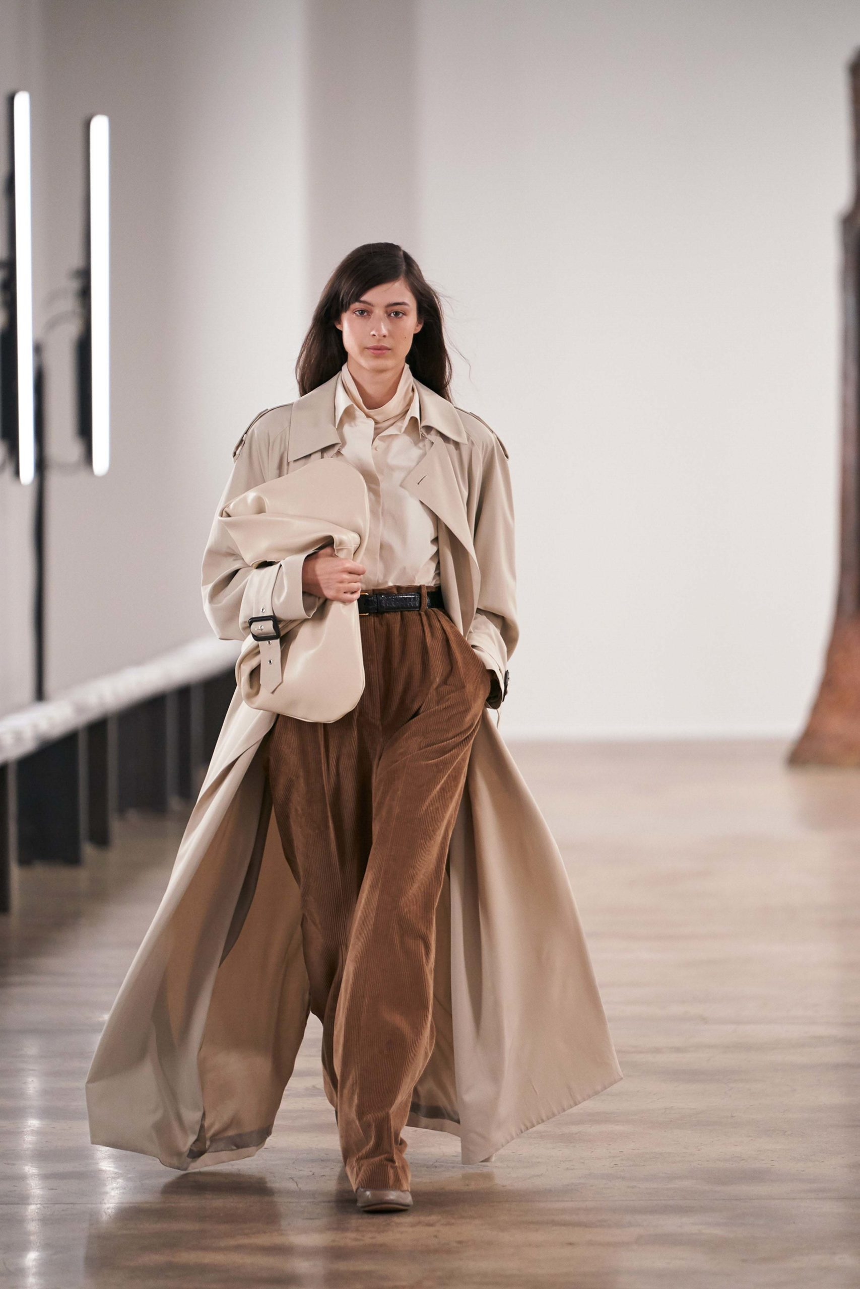 The Row Fall 2020 trends runway coverage Ready To Wear Vogue big clutch