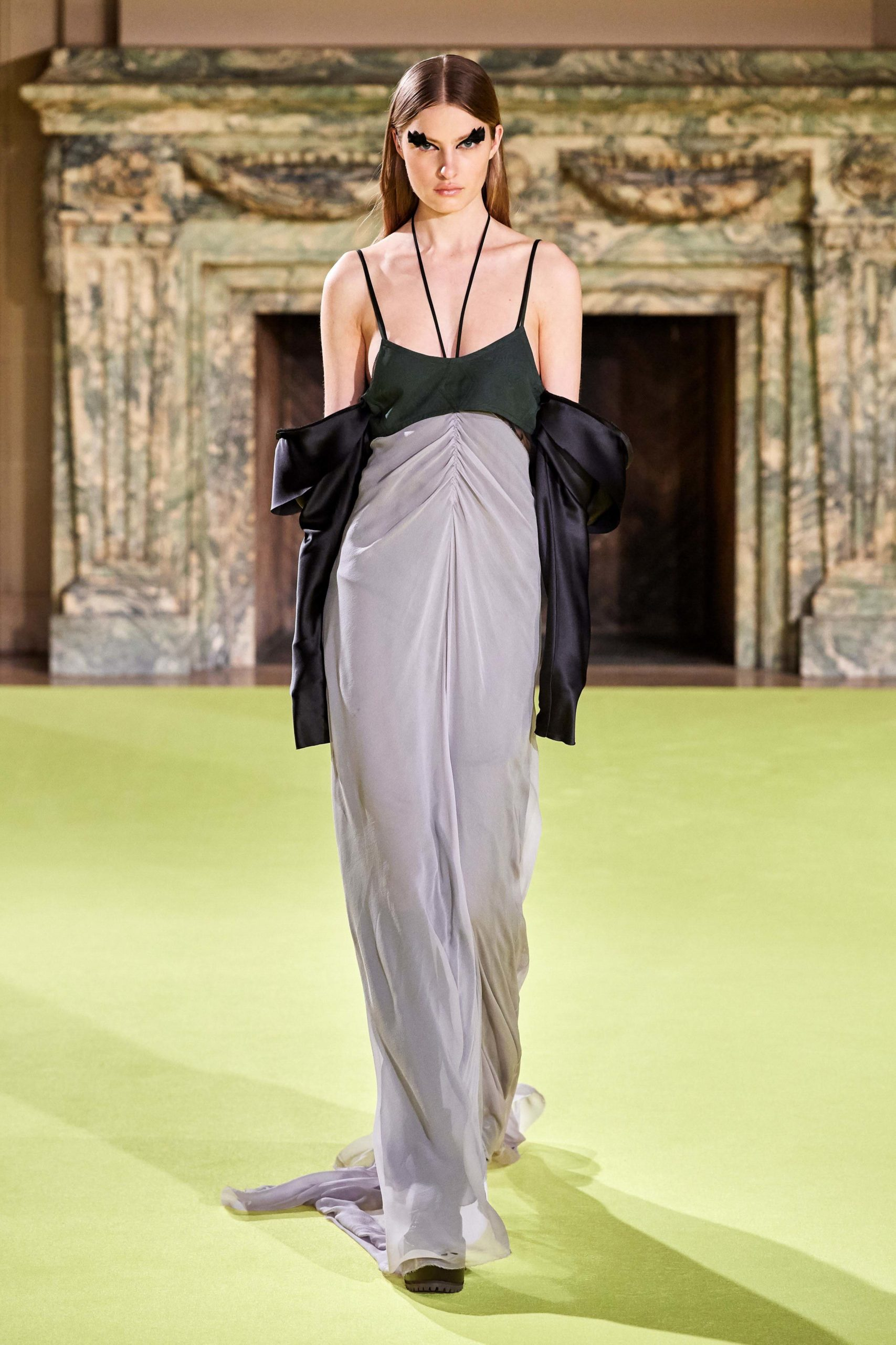 Vera Wang Fall 2020 trends runway coverage Ready To Wear Vogue dress bold sleeves