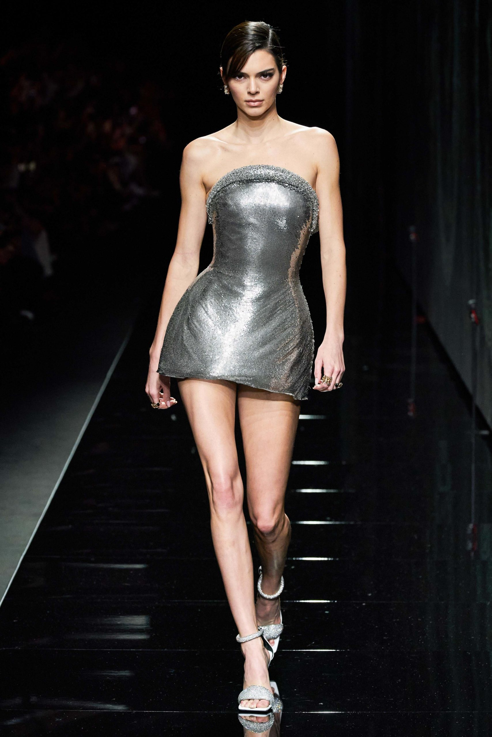 Versace Fall 2020 trends runway coverage Ready To Wear Vogue silver minimal_