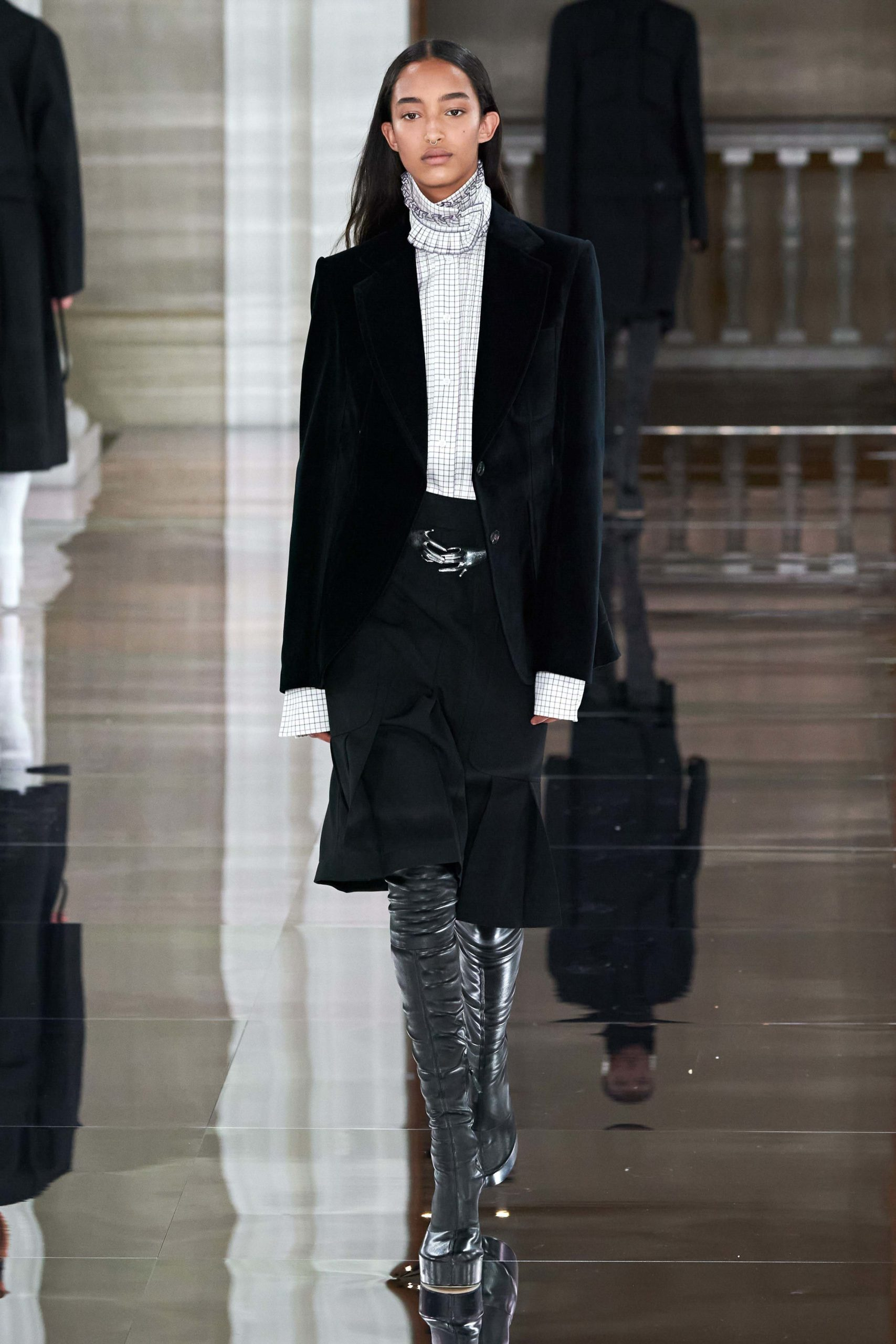 Victoria Beckham Fall 2020 trends runway coverage Ready To Wear Vogue skirt suit