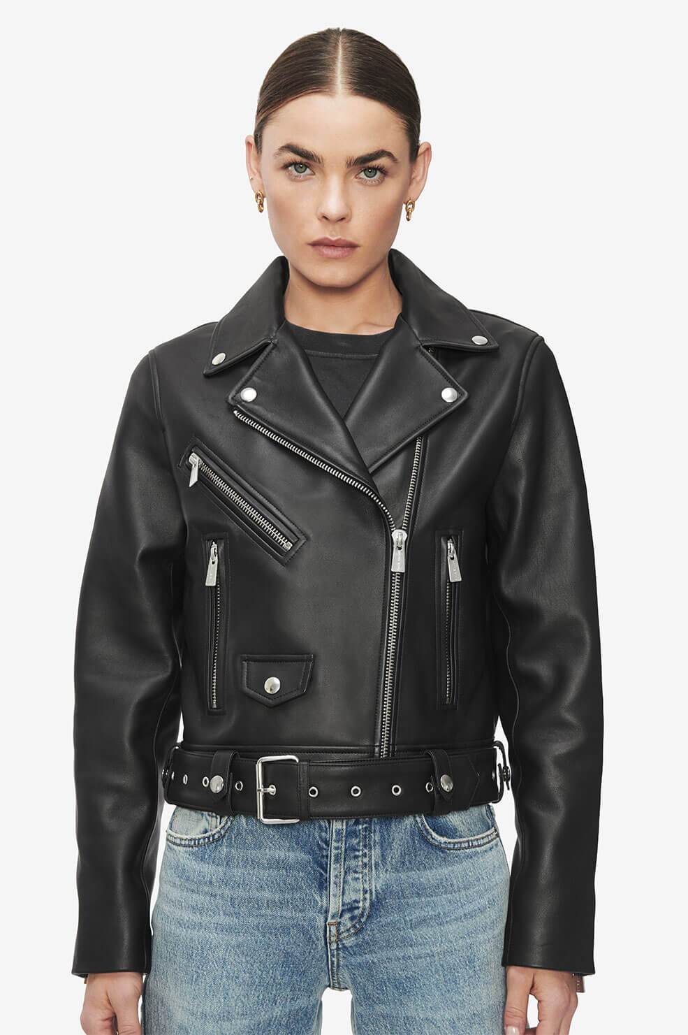 The perfecto: The black leather jacket for women The leather biker jacket is a French staple: timeless and effortless chic! Selection of the best premium leather jackets Anine Bing Benjamin