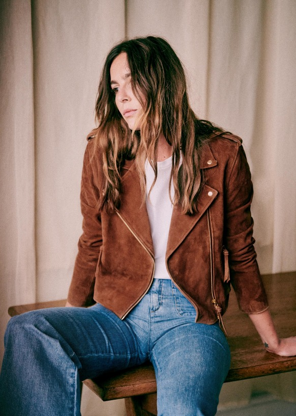 Sezane leather jacket- The leather biker jacket is a French staple: timeless and effortless chic! Selection of the best premium leather jackets at an affordable price