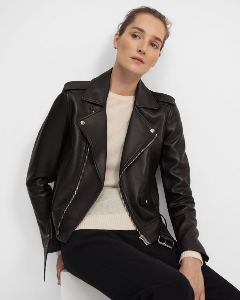 The perfecto: The black leather jacket for women The leather biker jacket is a French staple: timeless and effortless chic! Selection of the best premium leather jackets Theory. #theory #blackleatherjacket #womensleatherjacket #wardrobestaples #minimalstyle #effortlesschic #frenchgirlstyle #lestylealafrancaise #theparisguru #leatherjacket #womenswear #bikerjacket