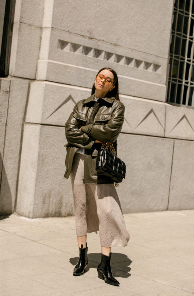 Best 10 Anine Bing pieces to master an elevated '90s aesthetic. Anine bing monroe jacket military leather jacket for women styled by Julia Comil