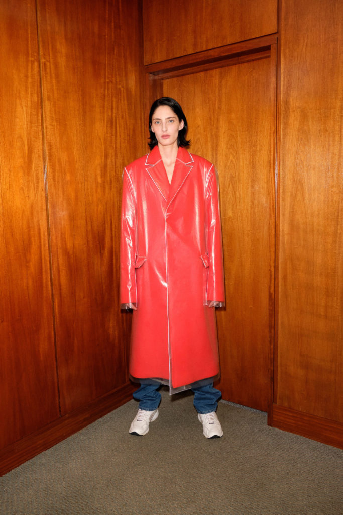 Best coats Fall Winter 2021 from the Runway Kwaidan Editions Fall-21-RTW long coat red