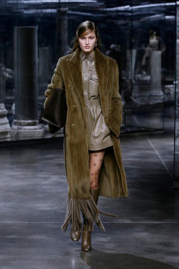 Best coats Fall Winter 2021 from the Runway - coats trends Fendi khaki