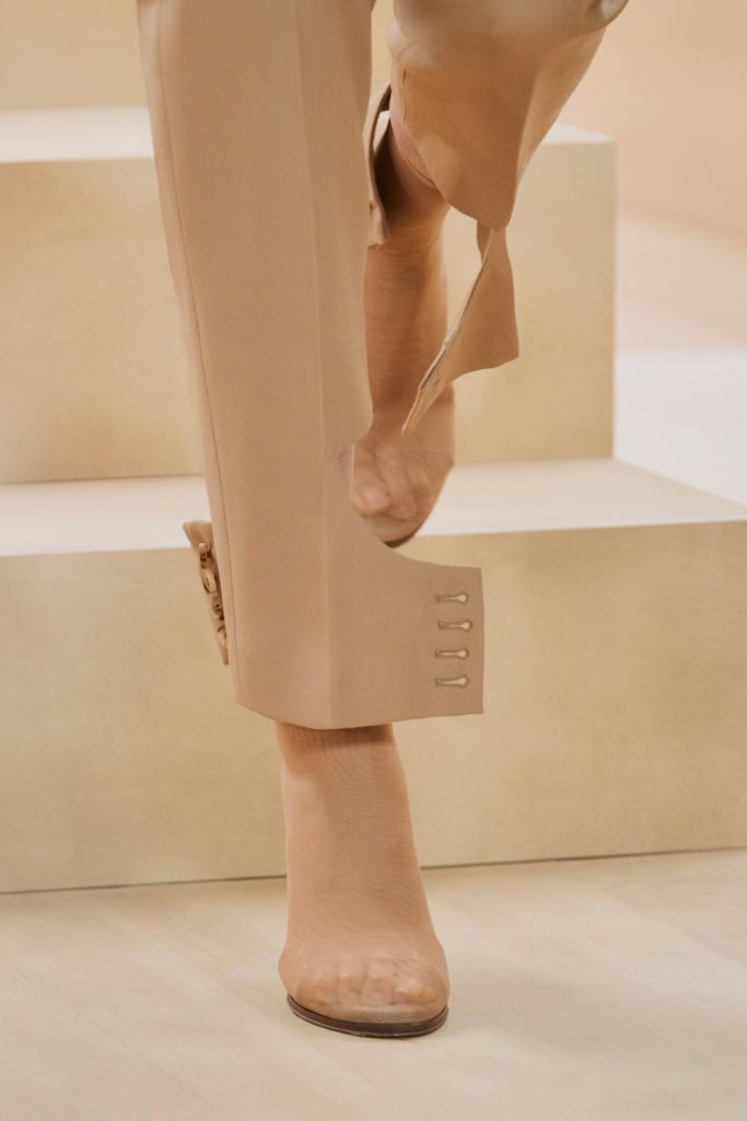 Burberry best details from the runway Fall Winter 2021 fashion week cuffed leg pants