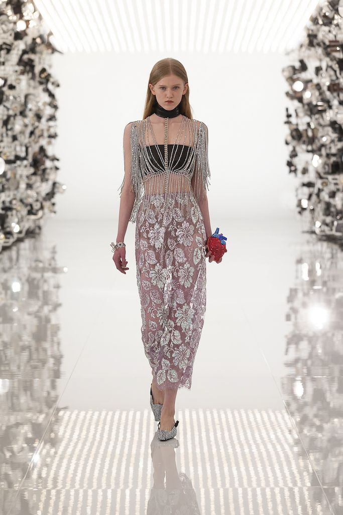 Gucci CR Fashion Book best Fall Winter 2021 trends fashion week report long embroidered skirt and swaroski cropped top