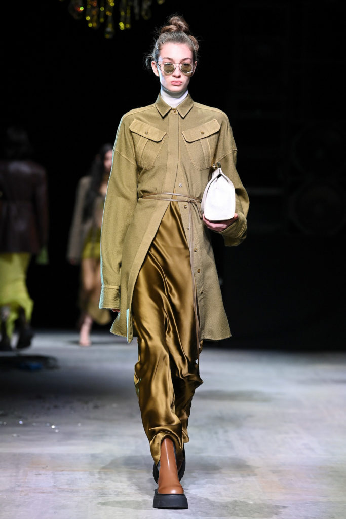 Sportmax Fall Winter 2021 best fashion week trends Gigi Hadid retrofuture